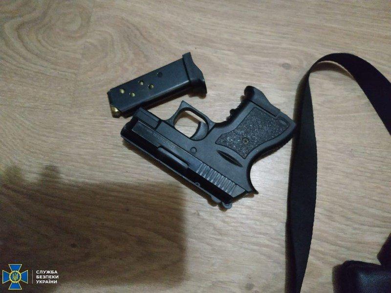 СБУ затримала на Житомирщині організатора угруповання, яке постачало зброю кримінальникам, фото-4