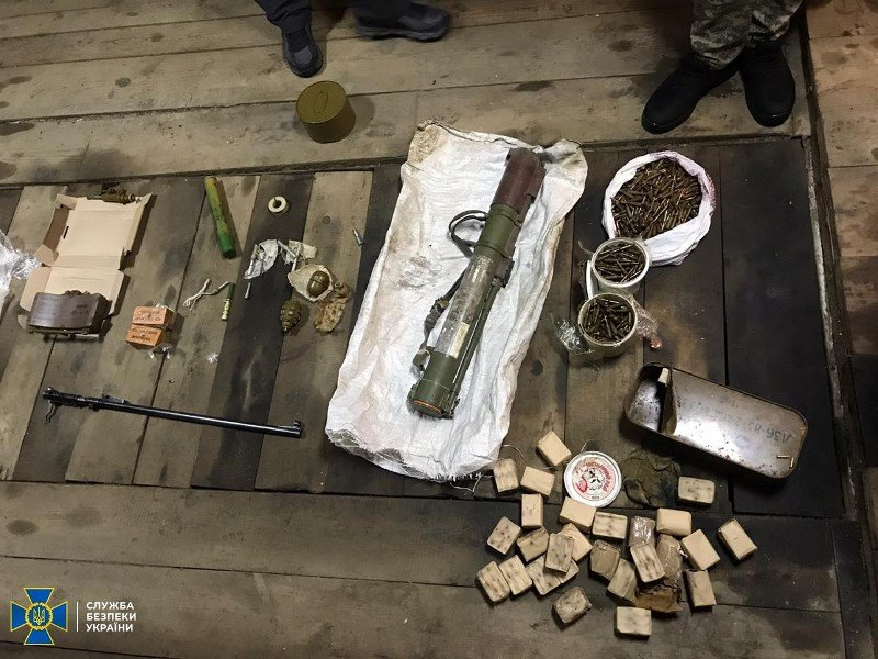 СБУ затримала на Житомирщині організатора угруповання, яке постачало зброю кримінальникам, фото-5