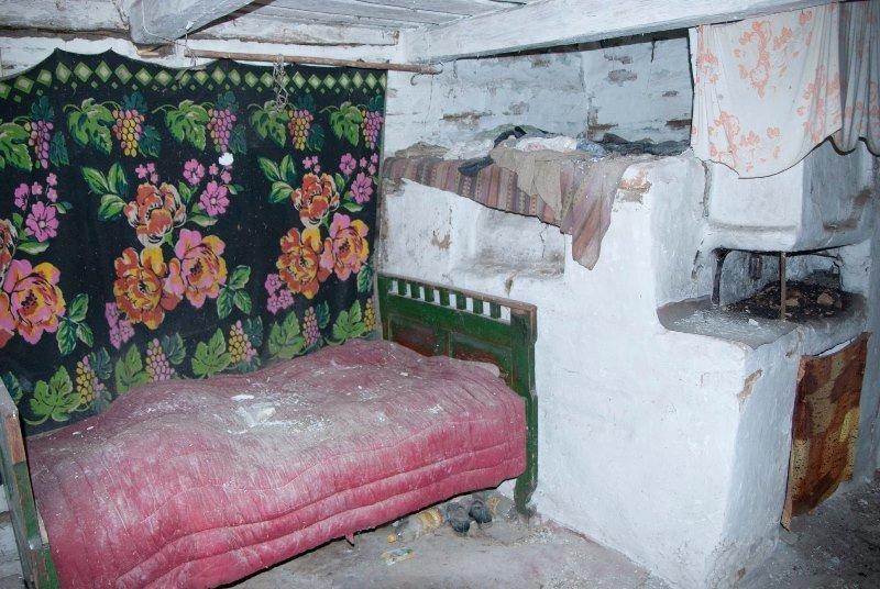 Зазирнути всередину закинутої хати: атмосферні світлини дослідника, зроблені в селі на Житомирщині, фото-3