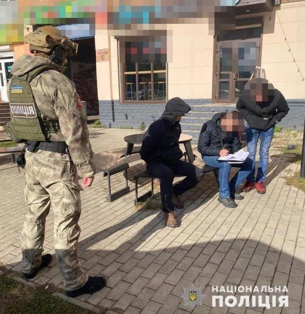 На Житомирщині поліція викрила злочинну групу у вимаганні 90 тисяч гривень, фото-2