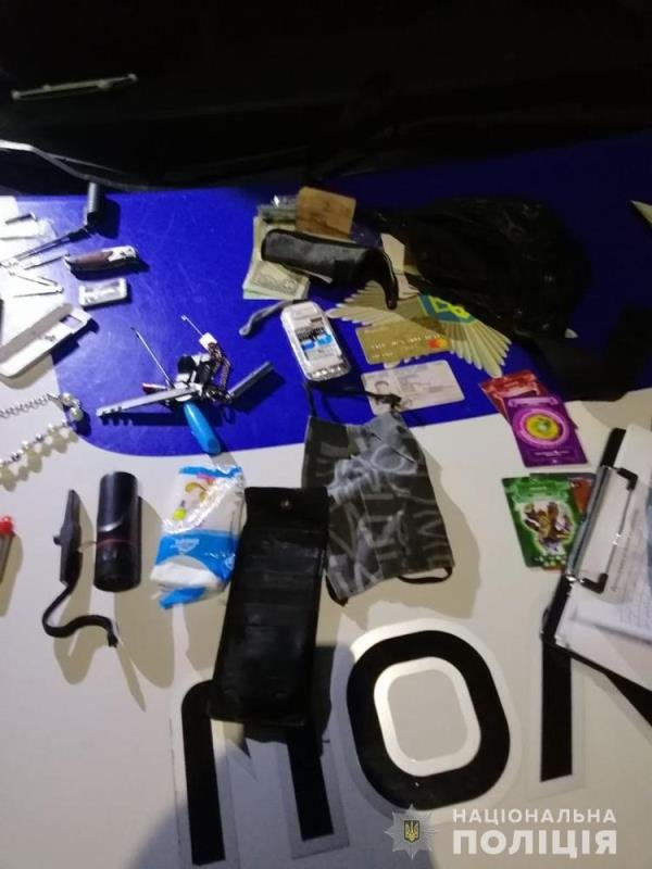 У Житомирі поліцейські затримали групу квартирників. ФОТО. ВІДЕО, фото-2