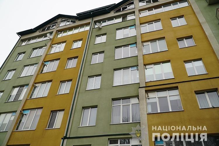 У Тернополі викрили будинок розпусти, де працювали дівчата з Житомирщини, фото-5