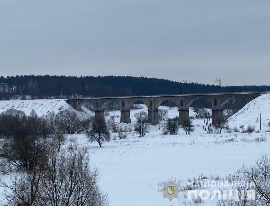 На Житомирщині правоохоронці врятували підлітка від загибелі на морозі, фото-4