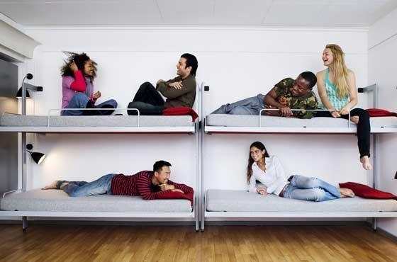 Недорогой хостел — это не что иное как общежитие.